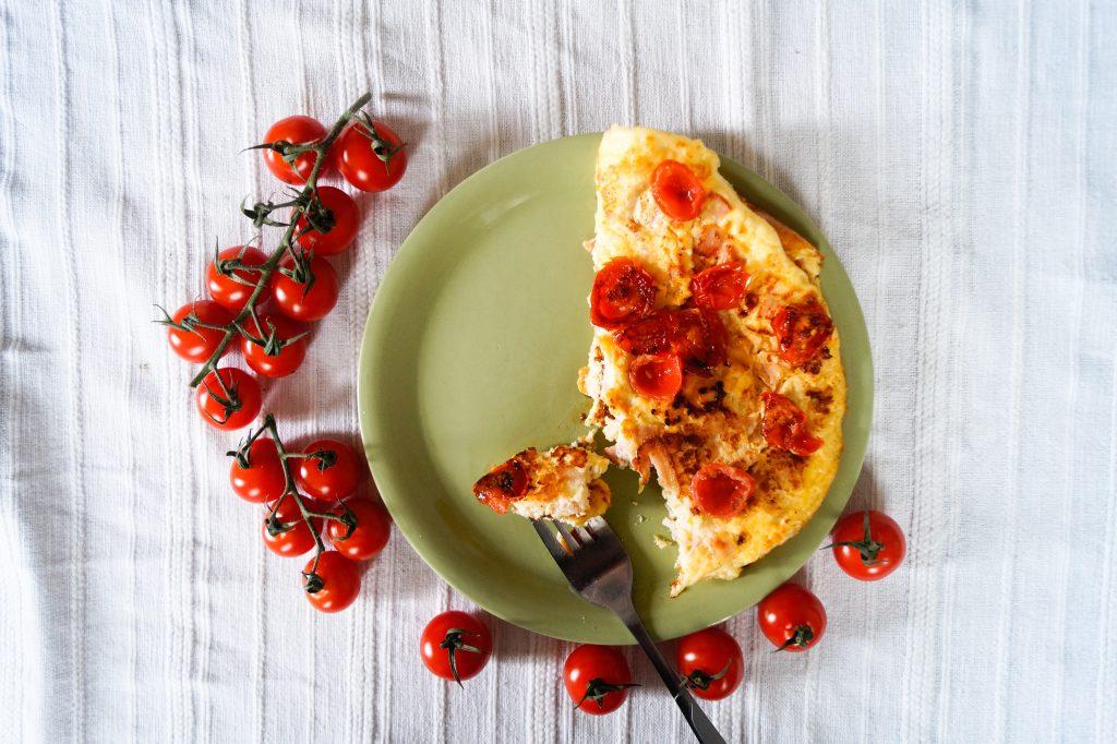 Омлет с шунка и чери домати | Peysoul