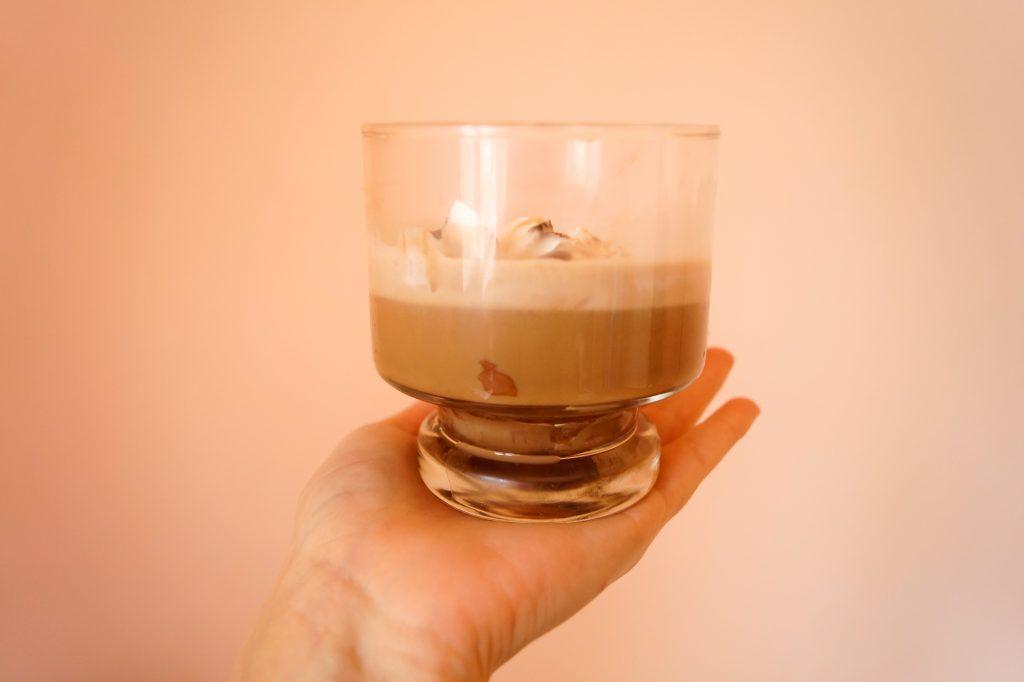 Задължителен компонент от съботно-неделния брънч - кафето. А това е със сладолед! | Peysoul
