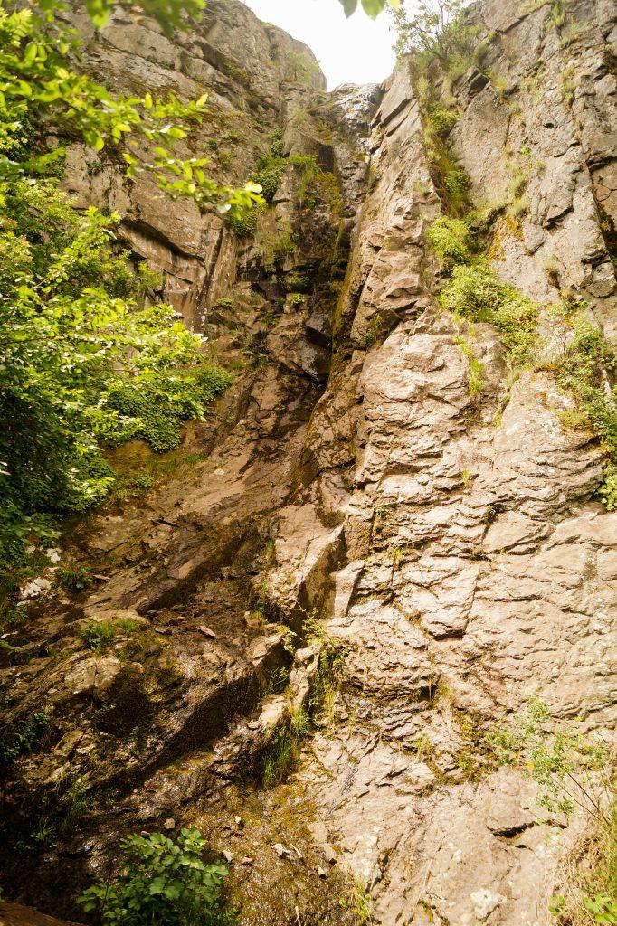 Устинския водопад - село Устина