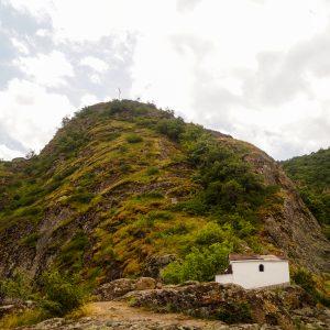 Разходка по екопътека Устина, Устинския водопад и невероятните гледки в планината