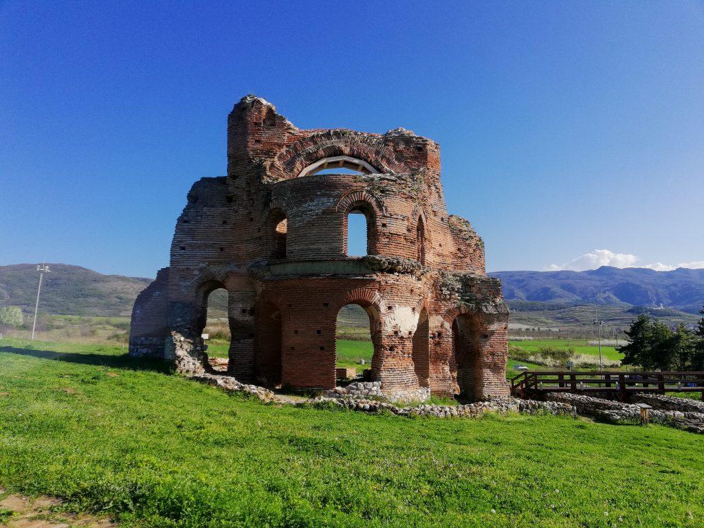 Червената църква край Перущица - част от 10 интересни маршрута около Пловдив