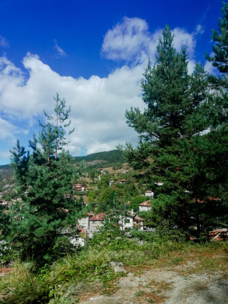 По пътя надолу и околните села
