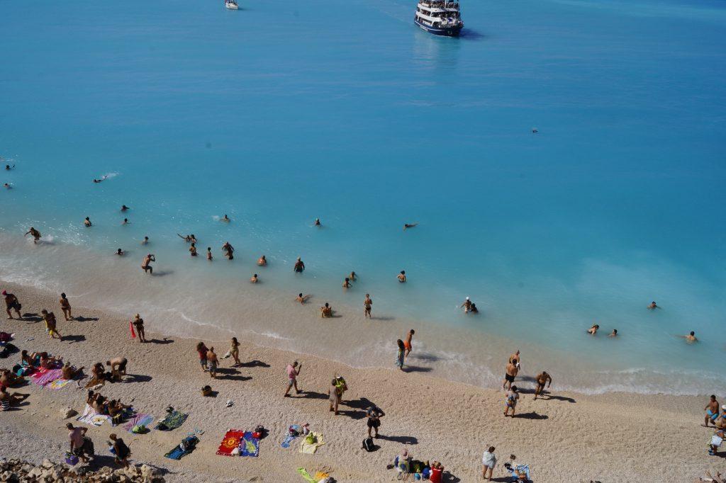 Плажът Порто Кацики