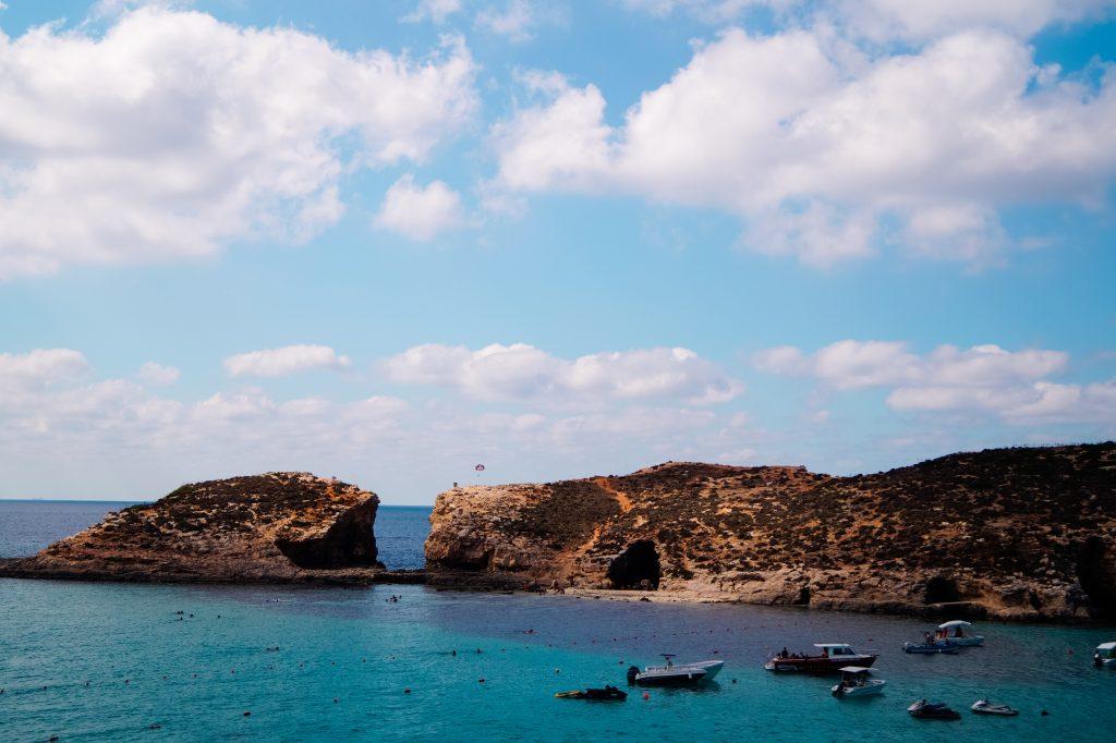 Лодки на Синята лагуна, остров Комино, Малта