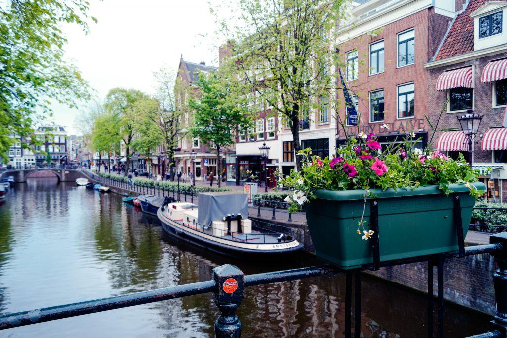 Амстердам, Нидерландия. Романтични места в Европа