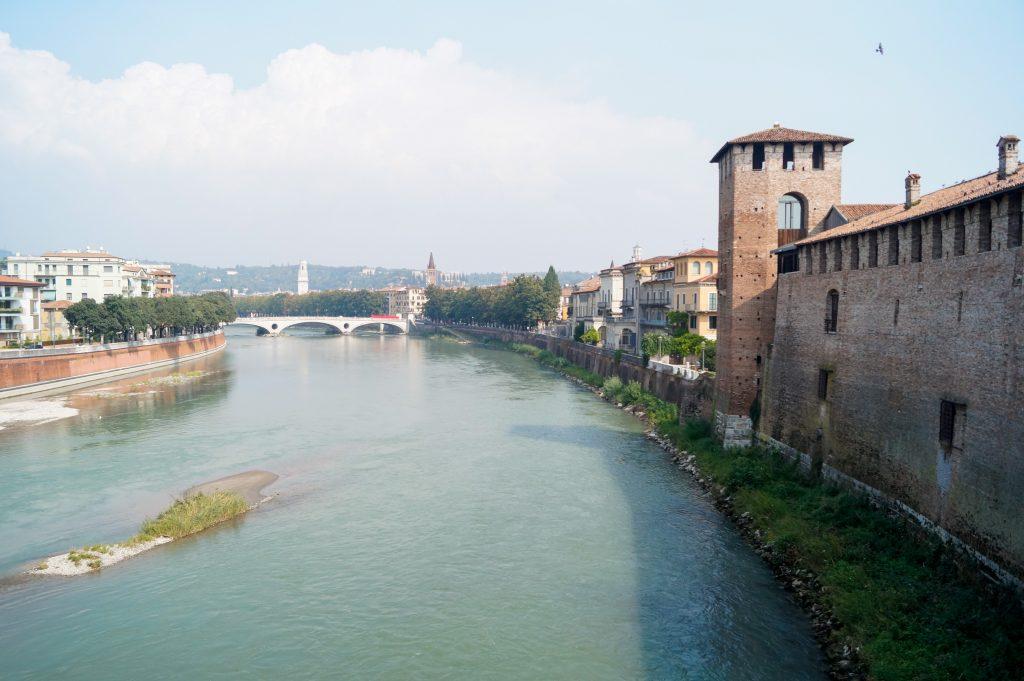 Верона, Италия. Романтични места в Европа.