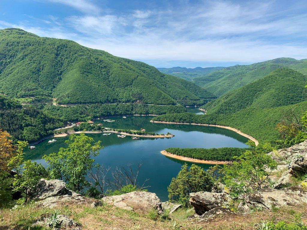 Екопътека Чилингира – с поглед към язовир Въча